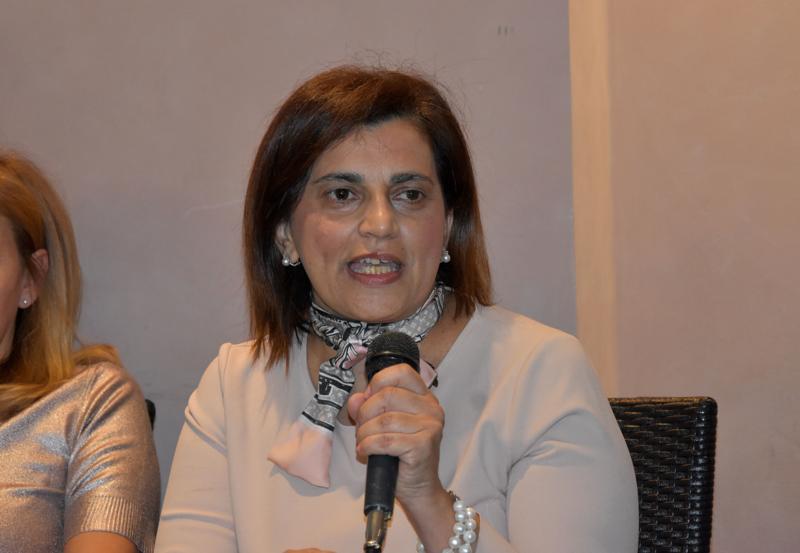 Maria T. Oliva006