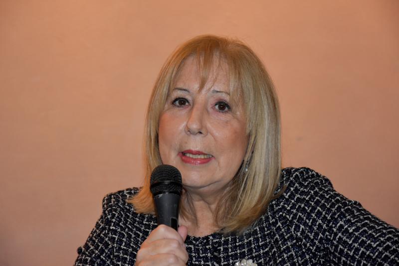 Maria T. Oliva010